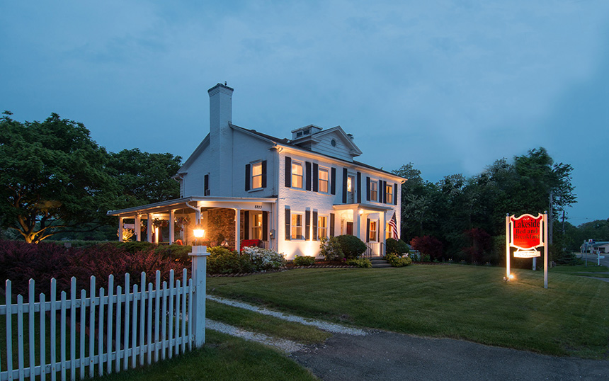 Romantic getaways in upstate ny lodging near erie pa for Lake house upstate ny