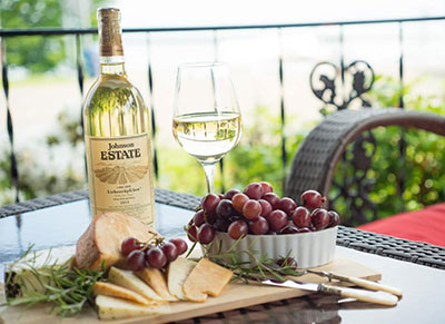 Honeymoon Package - Wine and Cheese in NY